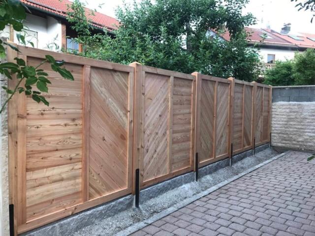 Massiver Holzzaun, Sichtschutz, Gartenzaun aus Lärche, Aying